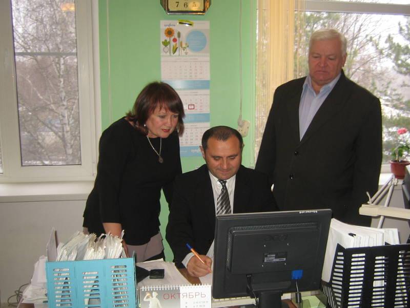 Главный агрохимик отдела ПУиО Давыдов В.Е. принимает отчёты у районных агрохимиков Дробиной В.В. и Берестового П.И.