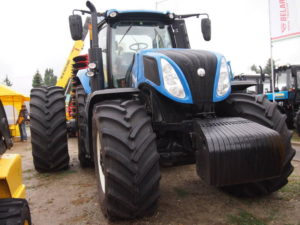 Трактор New Holland