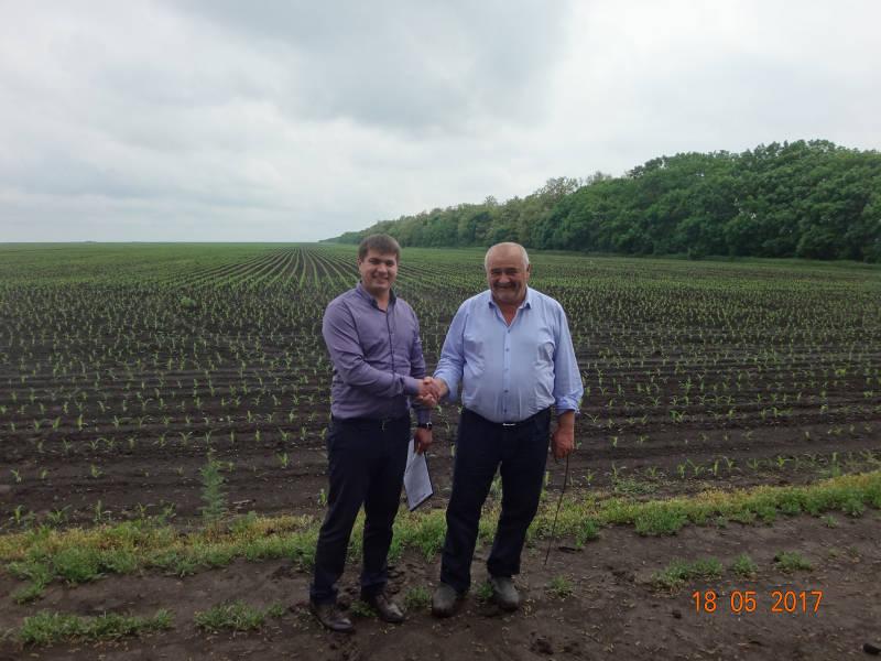 Начальник отдела Олейников А.Ю. и главный агроном Ушаков А.Д.