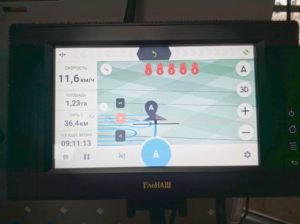 ГлоНАШ - сельскохозяйственный навигатор российского производства. Сигналы ГЛОНАСС/GPS, точность 20-30 см от ряда к ряду