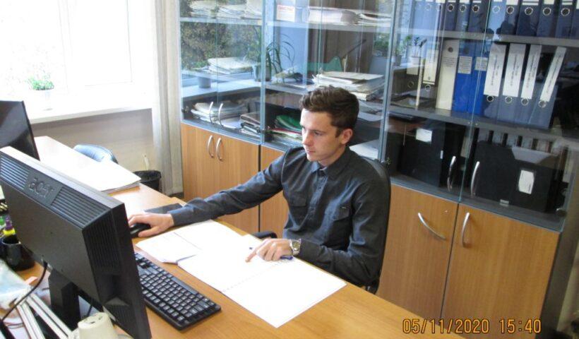 Ввод исходной информации для расчёта доз внесения удобрений выполняет инженер НТГИ 1 категории Руслан Абазов