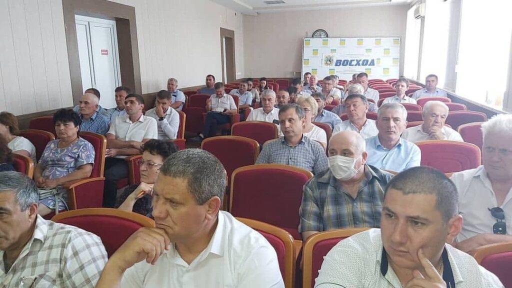 На совещании по проблемам опустынивания земель в Нефтекумске