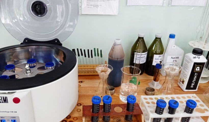 Экстракция и осаждение гуминовых кислот на лабораторной центрифуге СМ-6М