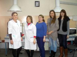Сотрудники испытательной лаборатории и гости из Краснодара