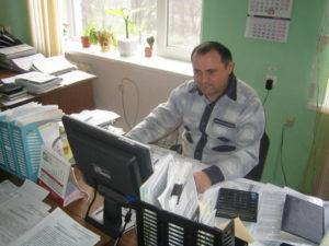 Главный агрохимик отдела применения удобрений и опытов Давыдов В.Е. занимается обработкой исходной информации