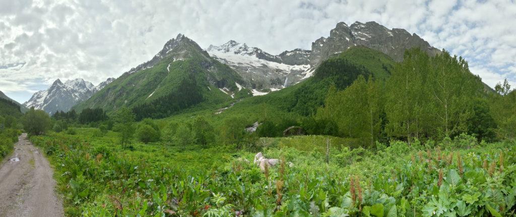 Долина Домбай-Ульген