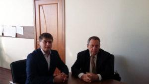 Начальник отдела ГТ Олейников А.Ю и генеральный директор АО «Агрохлебопродукт» Гаркуша В.Ф. обсуждают вопросы дальнейшего взаимодействия