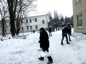 "Уборка снега на территории агрохимцентра ""Ставропольский"""
