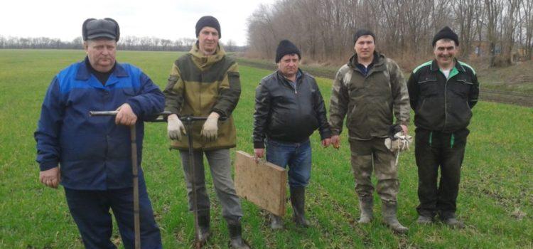 Диагностирование СПК к-з «Терновский» проводит заведующий сектора Олейников А. Ю. и агрономическая служба хозяйства
