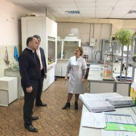 Министр МСХ СК посетил агрохимцентр