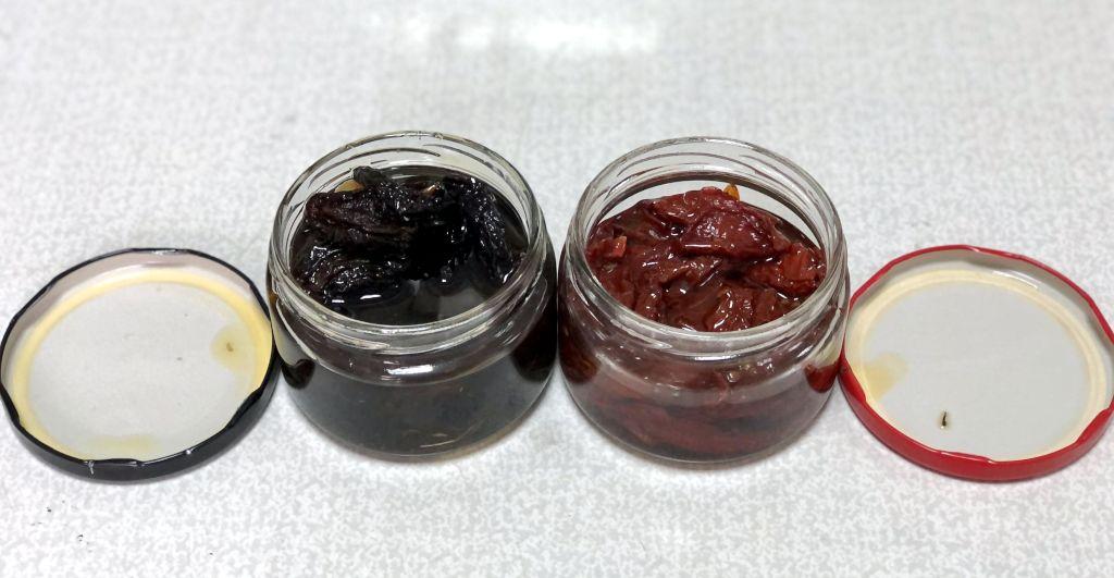 Чернослив и томаты вяленые в масле